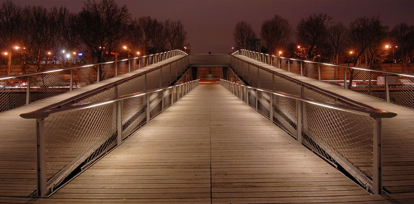 Simone de Beauvoir footbridge3